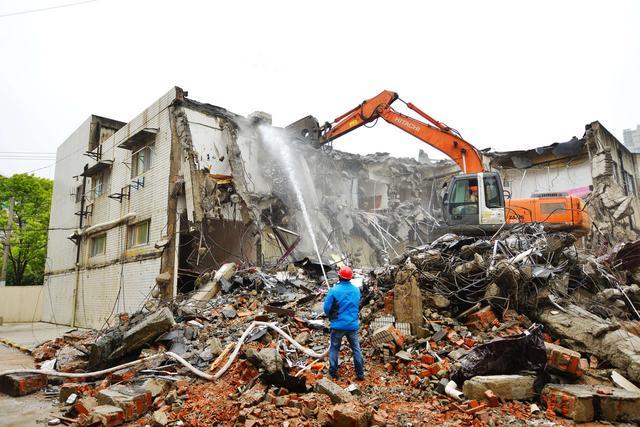 违章建筑什么条件下可以强制拆除呢?