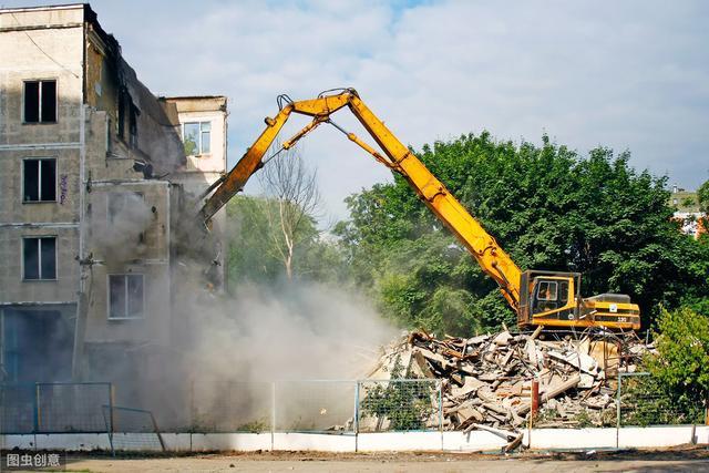 老房要拆迁,父母不敢回家了,说怕挨打 暴力征收合法吗?